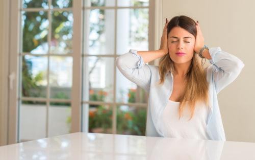 Mit geeigneten Maßnahmen wie Schallschutzfenster sperren Sie den Lärm einfach aus.